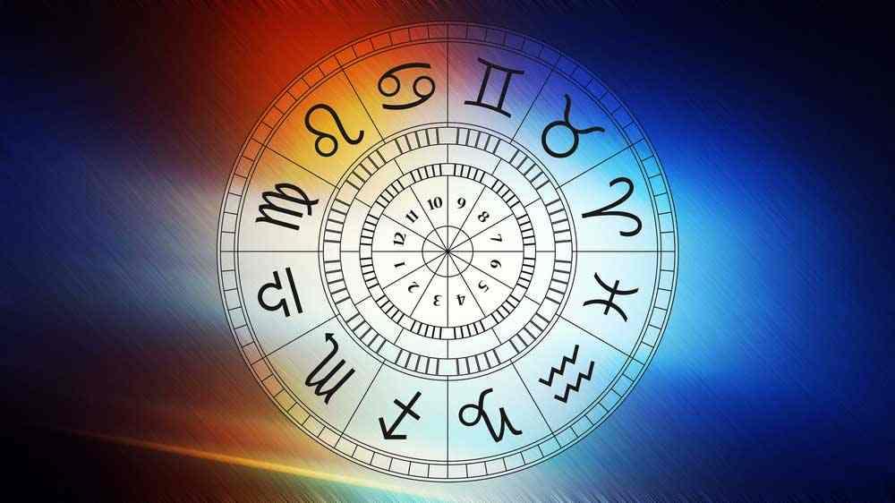 voyance-au-feminin-ch-astrologie