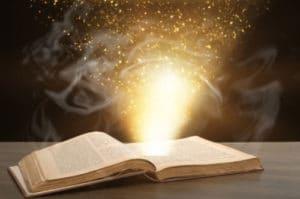 voyance-au-feminin-be-bibliomancie-predictions